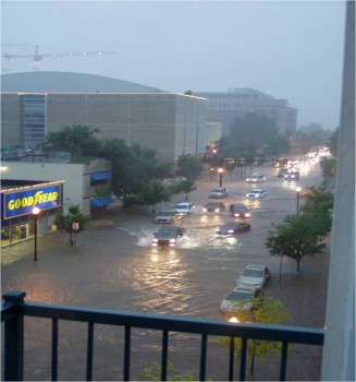 Flash flooding in Oklahoma City, Okla. in June 2010 (Photo: JC Reiss)